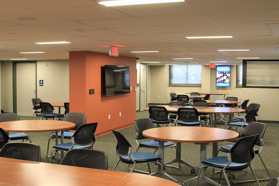 Schwartz Programming space with tables and chairs